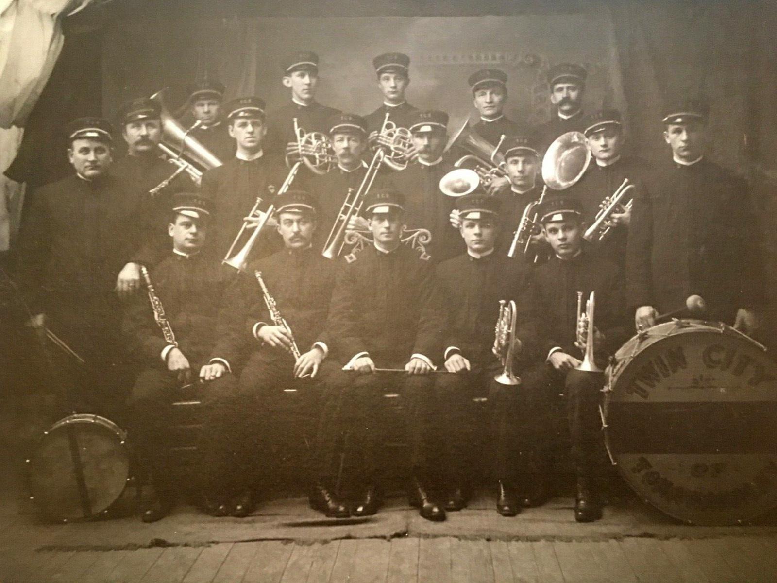 Twin City Band of Tonawanda, photo (c1900).jpg