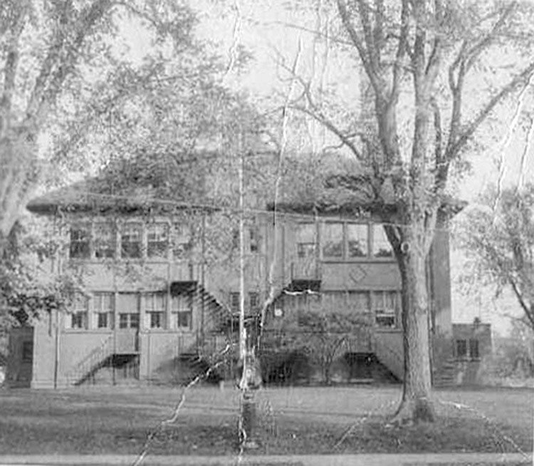 Pine Woods school, photo (1966).jpg