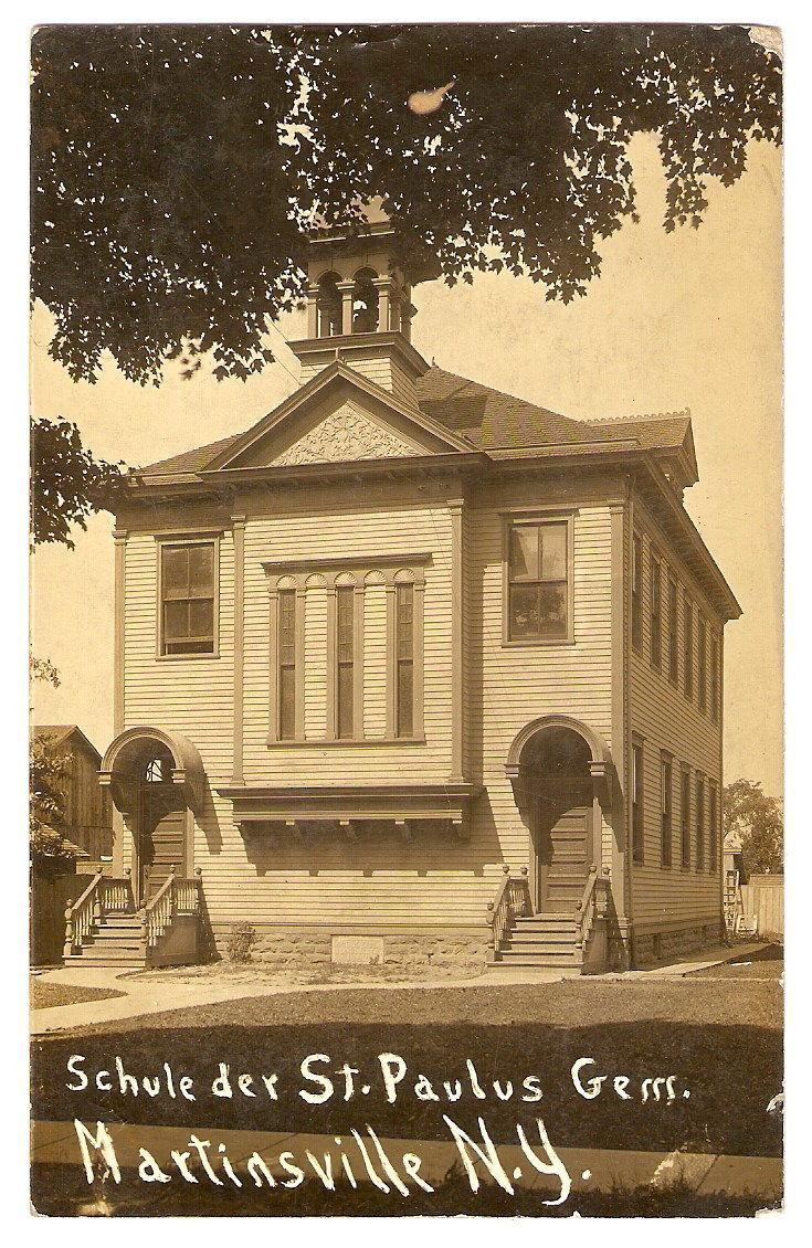 Schule der St. Paulus, Martinsville, postcard (1910).jpg