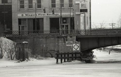 Bascule bridge in winter, Niagara First Savings (c1978).jpg
