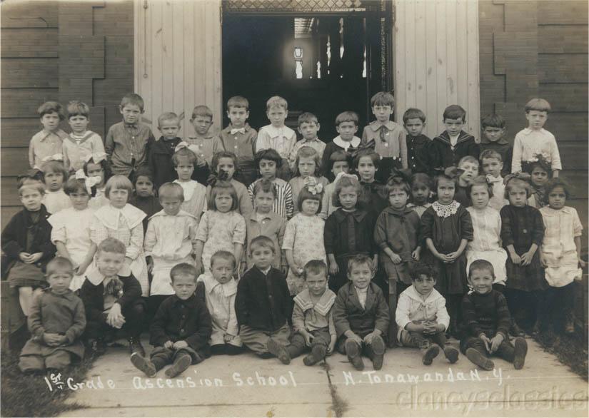 Ascension School,  1st Grade class photo (1916).jpg