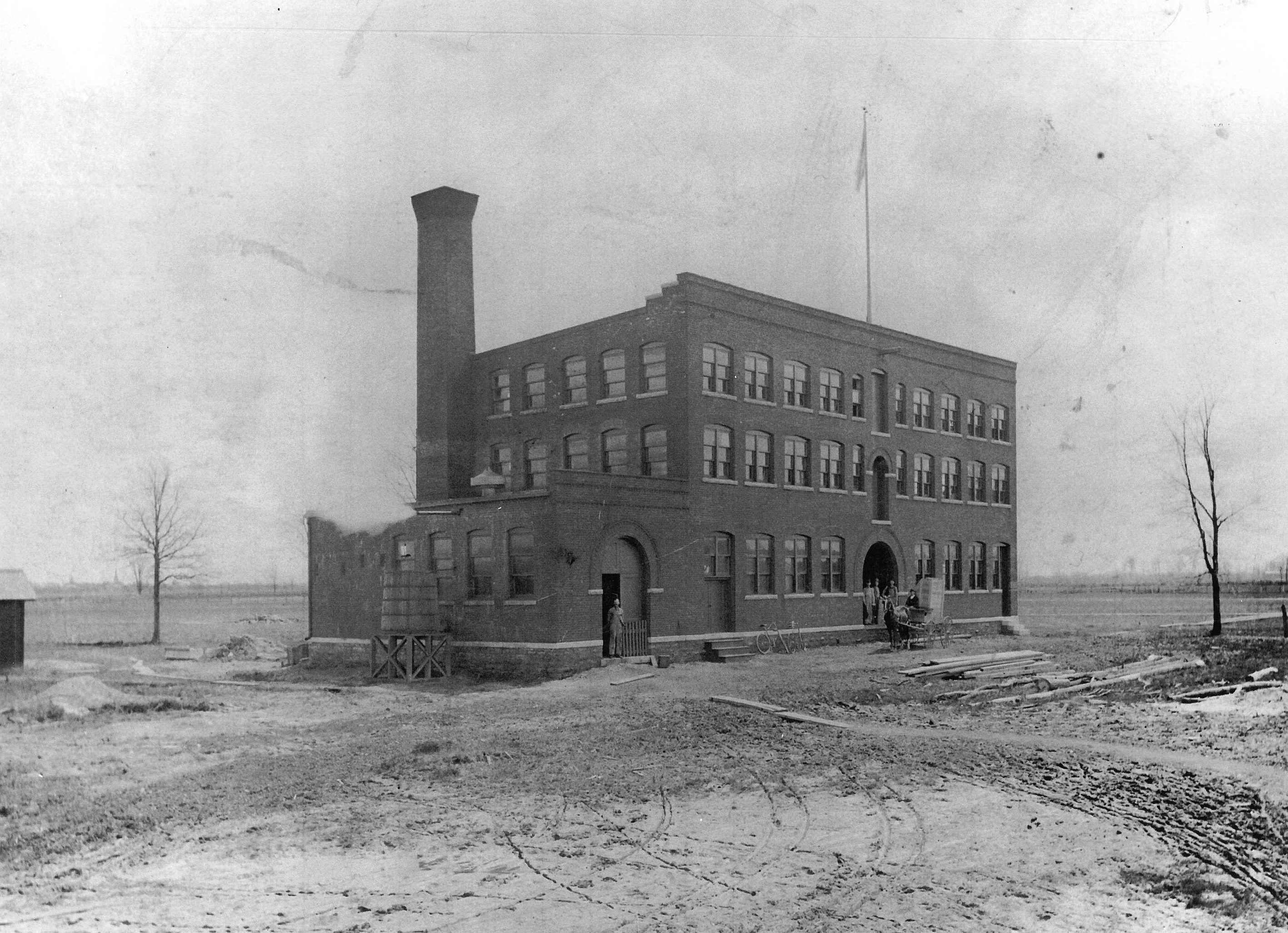 North Tonwanda Barrel Organ Factory, photo (1893).jpg