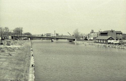 Delaware street bridge, maybe Elks Club (c1978).jpg