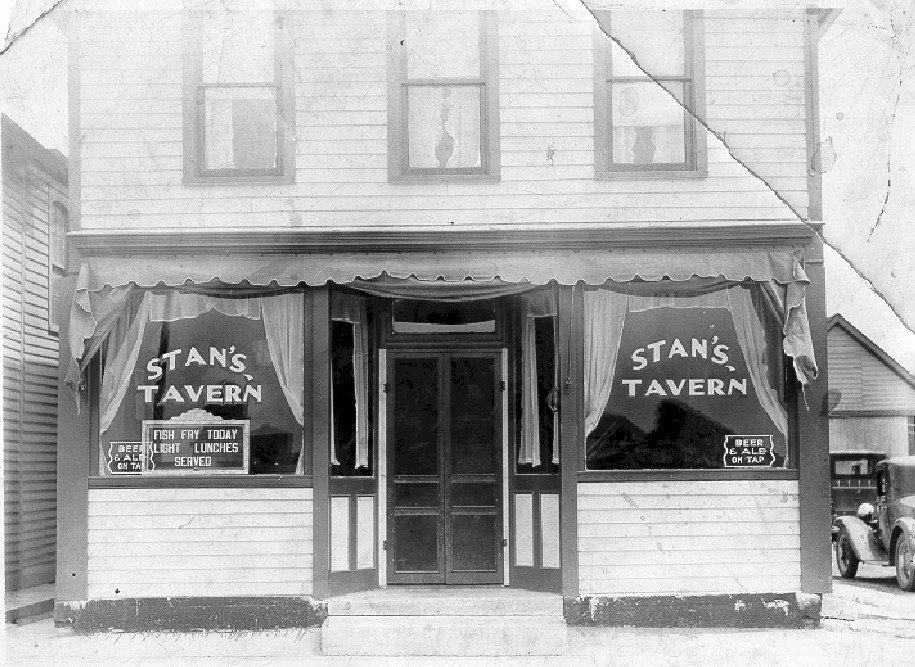Stans Tavern, photo (c1935).jpg