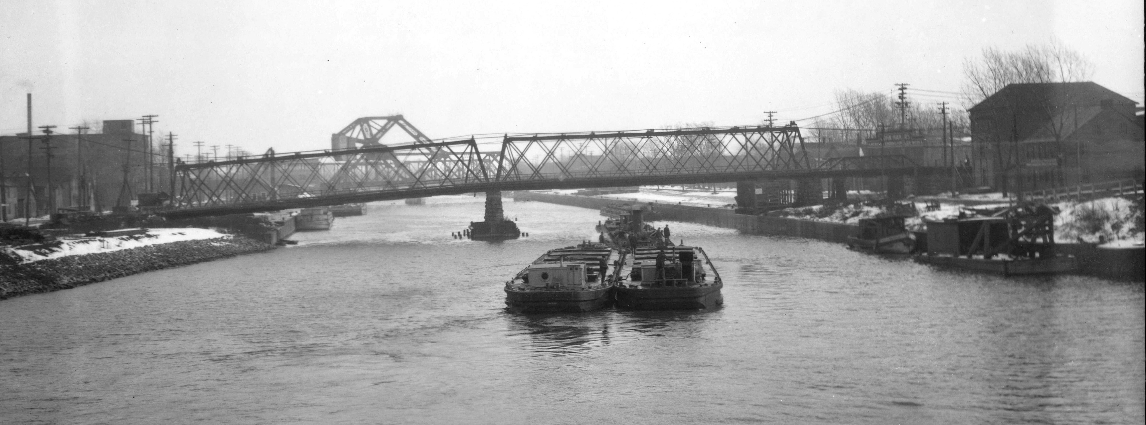 Main Street, jack-knife, and Vandervoort bridges across NY Barge Canal, photo (Erie Canal Museum, 1920-11-21).jpg