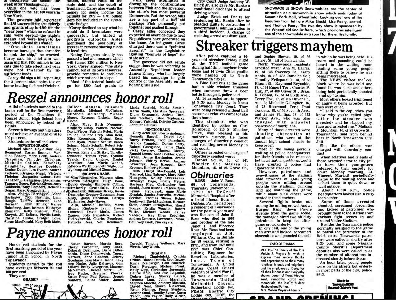 Streaker triggers mayhem, article (Tonawanda News, 1979-11-17).jpg