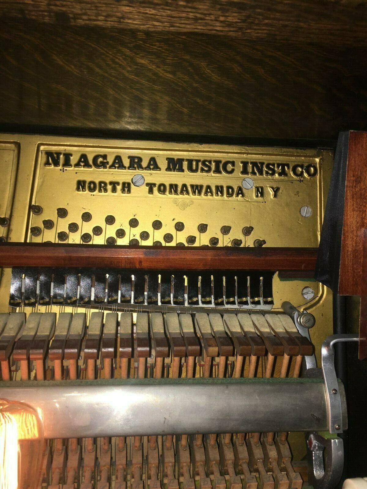 Niagara-Engelhardt-Player-Piano-3.jpg