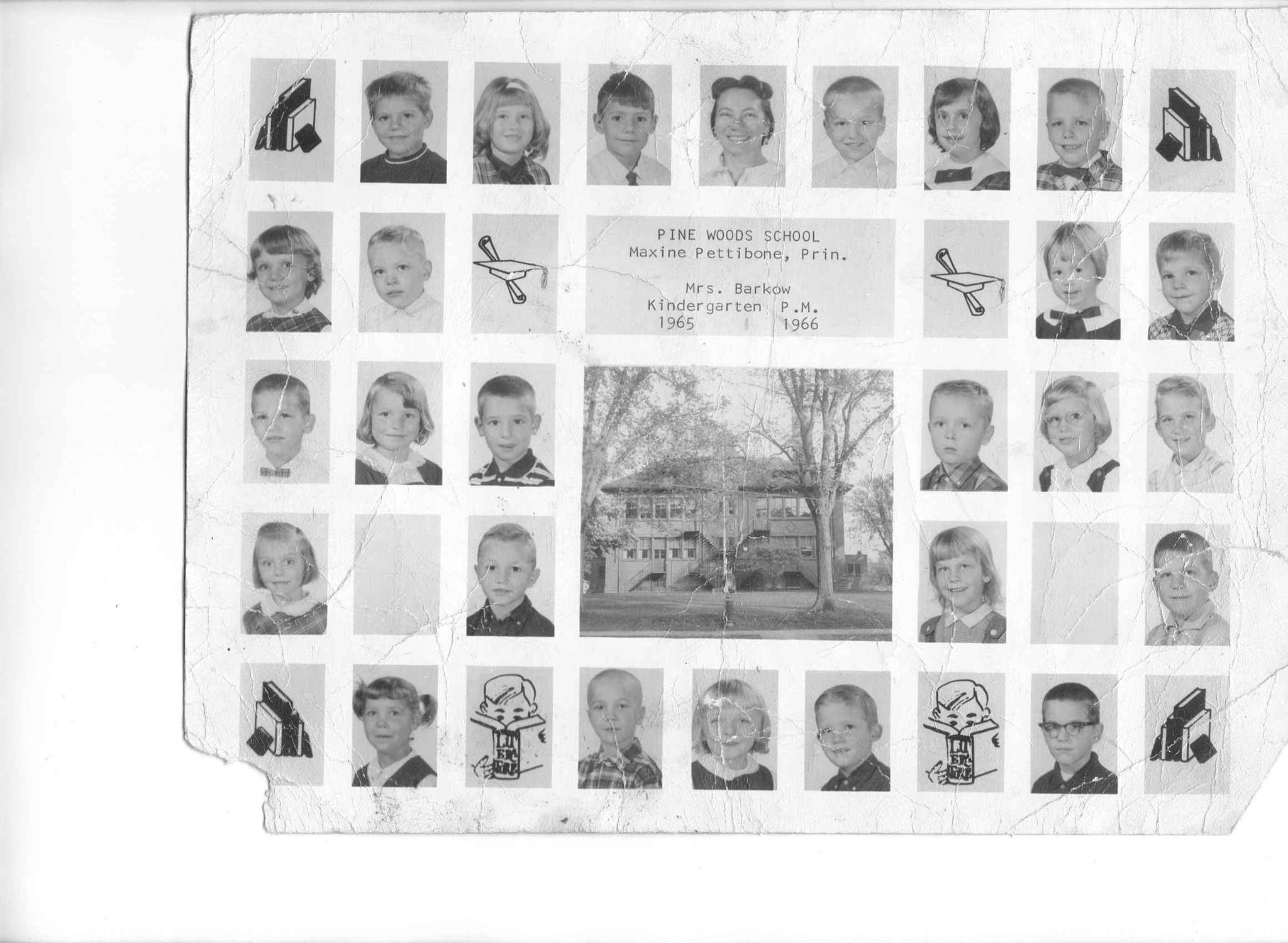 Pine Woods School, kindergraten class photo (1965-1966).jpg