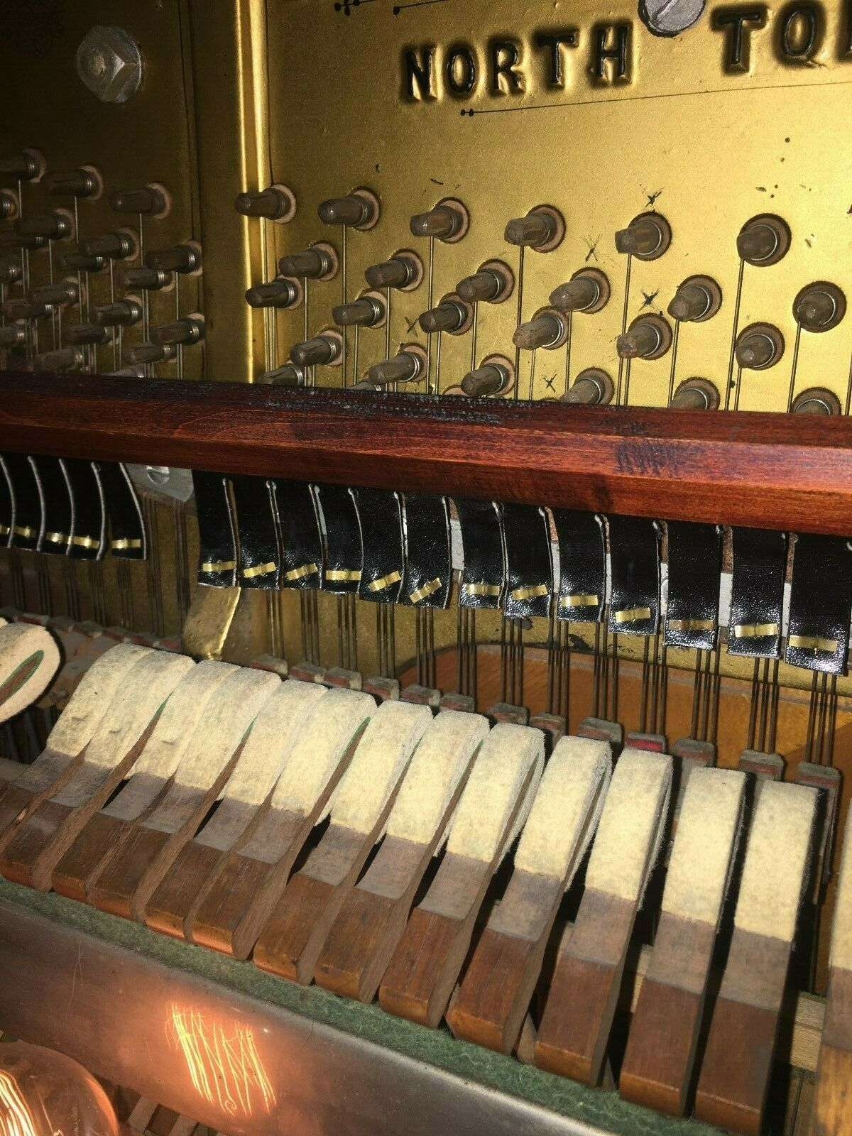 Niagara-Engelhardt-Player-Piano-7.jpg
