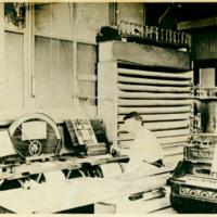 Barrel Organ Factory arranger, photo (Trager, c1900).jpg