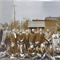 North Tonawanda Musical Instrument Works employees, photo detail left (HST 1913-05-03).jpg