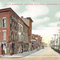 South Niagara St Showing Erie Canal, Tonawanda, postcard (c1910).jpg