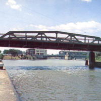 Bridge over Erie Canal, Main-Webster, postcard (c1950).JPG