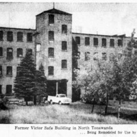 Mirrorlite Leases Plant for Expansion in NT, photo detail (Tonawanda News, 1964-09-30).jpg