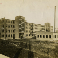 North Tonawanda Musical Instrument Works factory, horse-drawn cart, photo (HST p1142 c1913).jpg