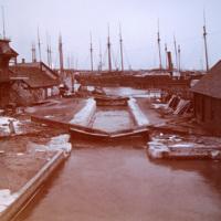 Erie Canal lock in Tonawanda, photo (c1890).jpg